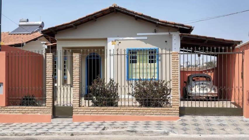 Suíte em casa recém-restaurada no Pe. Eustáquio