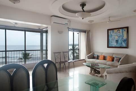 Nuostabūs 180° apartamentai su vaizdu į jūrą, Versova, Mumbajus