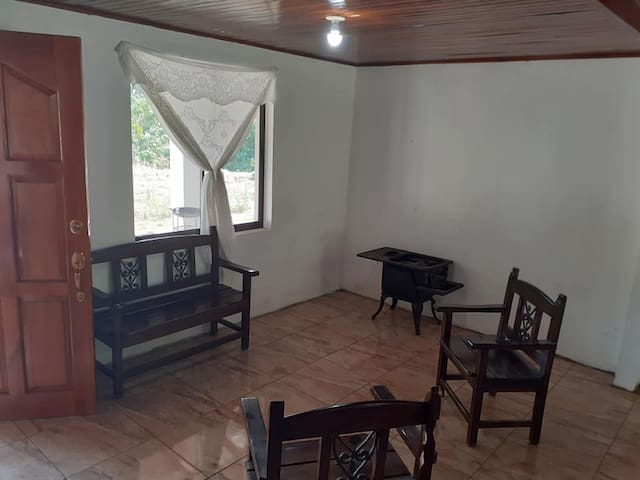 House for rent in Atenas Alajuela.