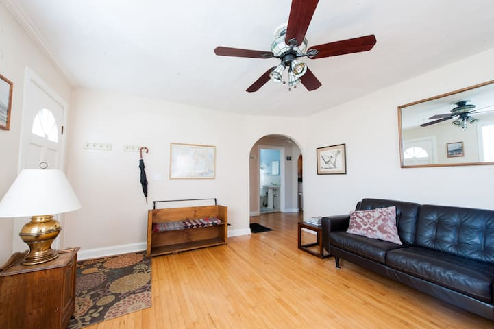 Clifton Heights - Spacious One Bedroom House
