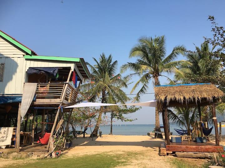 Beach House (Beach View) M'Pai Bay
