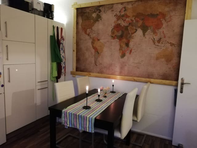 Sunny privatroom  / 35 min to the heart of Berlin