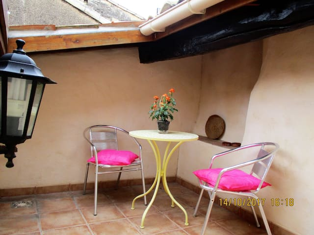 Pezenas - Charming quiet town house with a Terrace