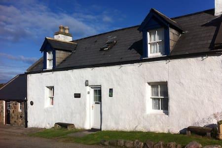 Bracken Cottage - Kinlochbervie - Hus