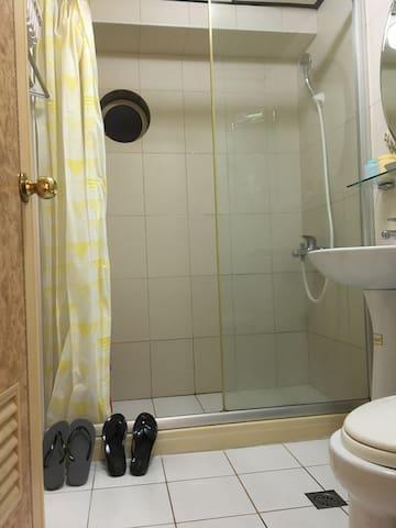 Ballet Rose 近地铁站 ,夜市2分鐘,有電梯/私人獨立衛浴,生活機能便利,交通方便!