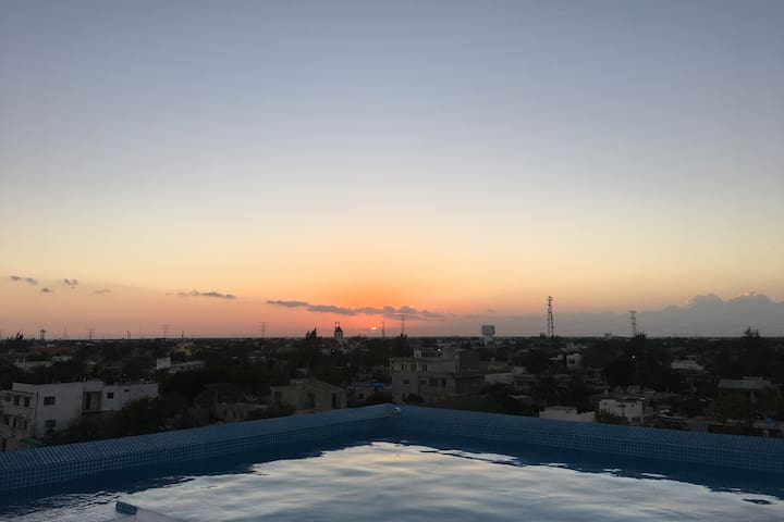Room near of the sea & roof/ pool w panoramic view - Playa del Carmen