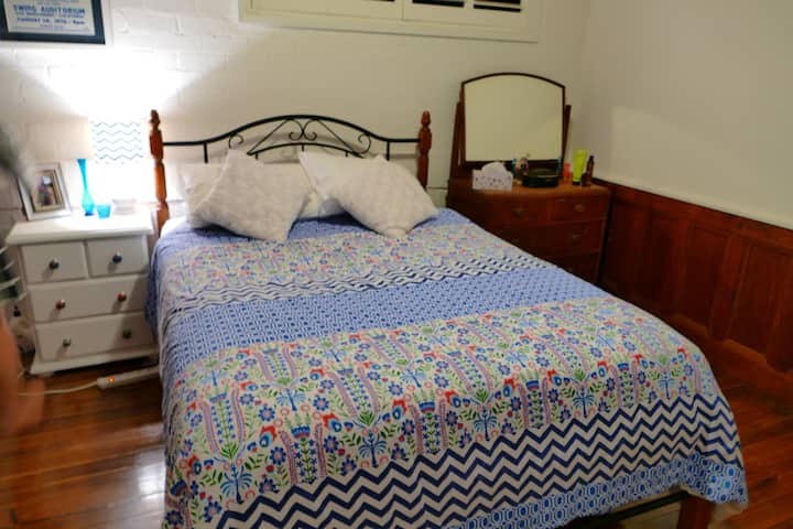 Room available in private home Newcastle area.