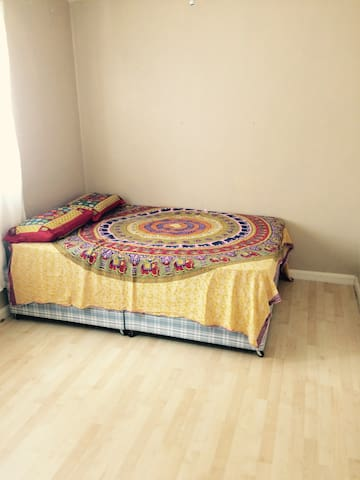 LOVELY BIG DOUBLE BEDROOM IN LEICESTER - Leicester - Haus