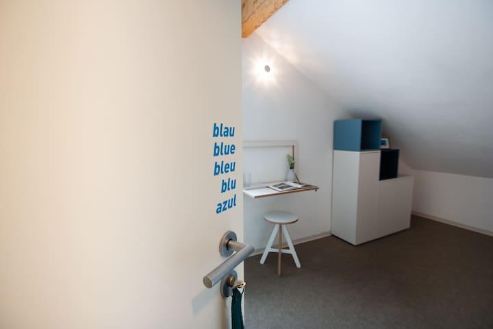 ZIMMER blau Doppelzimmer