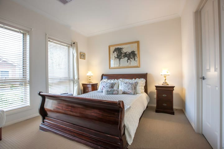 Barossa Stall place accommodation & Wine Tours