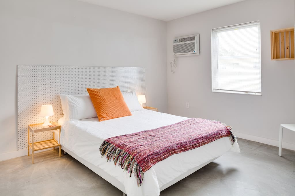 Queen Bed bedroom, decorated with love, we try to make our beds as comfy as possible with two pillows per person and a firm mattress