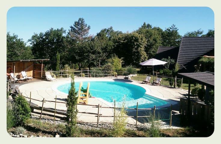 Au Bout du Chemin, Belle maison bois avec piscine