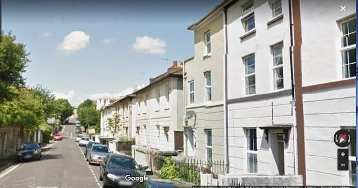 NewListing-Cotham Apartment stunning Bristol views