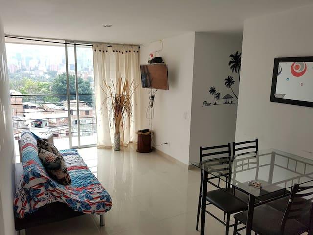 Amoblado Medellín 7 personas - Medellín - Apartamento