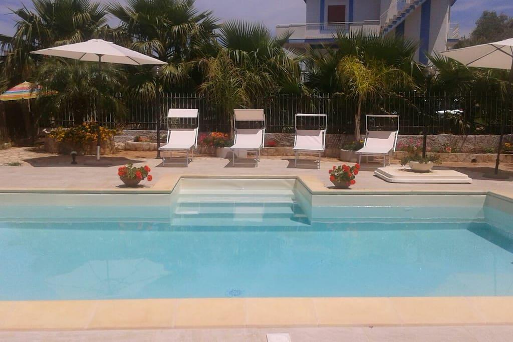 villa emelia con piscina a 250 metri dal mare case in