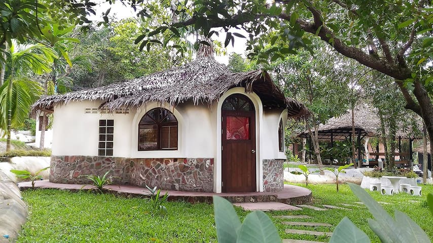 Red Dome Bungalow