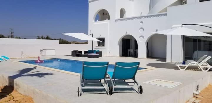 Villa climatisée piscine privée 4mn plage d Aghir