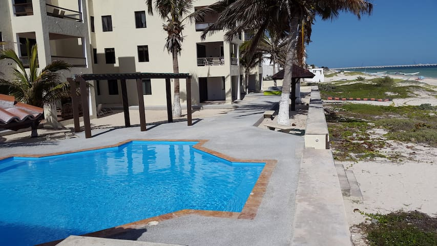 BEACHFRONT APARTMENT,3 BEDROOMS 2 BATHROOMS,WIFI - プログレソ