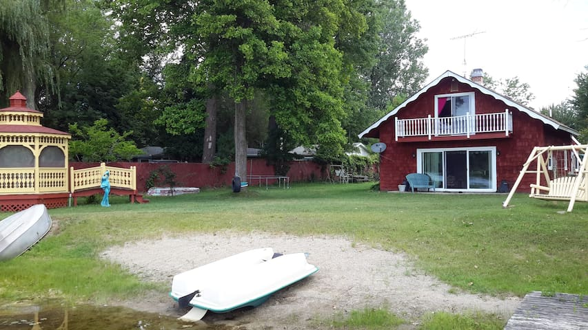 Family-friendly Irish Hills lakefront Cottage! - Addison - Srub