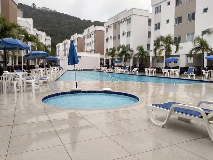 Ótimo apartamento na praia de Canasvieiras