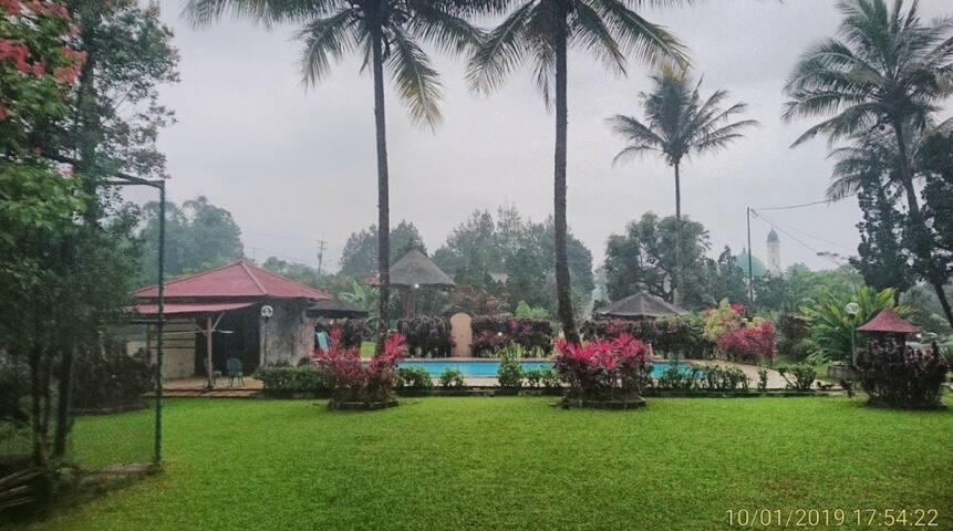 The big villa for Family & Group in puncak