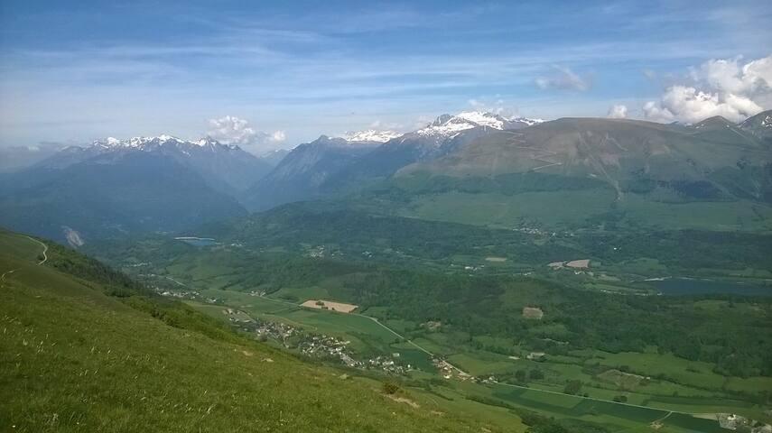 Vu depuis le sommet La Peyrouse, 700m denivellé au dessus de chez moi: panorama 360° Bellodonne, Alpes, Mont blanc, Ecrins, Obiou,Vercors, Chartreuse, massif Taillefer...