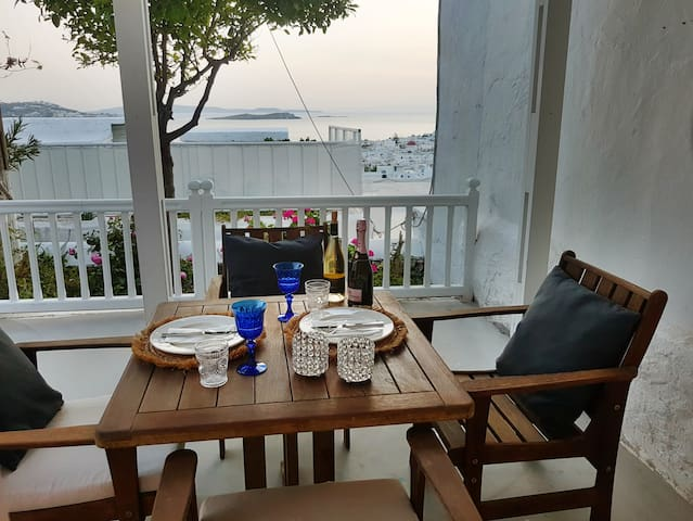 Wonderful ,calm and relaxing Veranda with sunset view