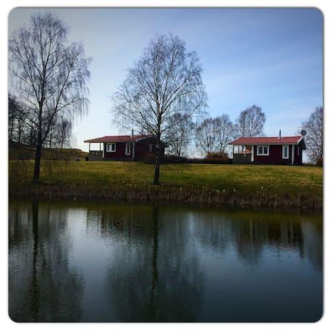 Stuga på Sjötorps Säteri - Larv - Houten huisje