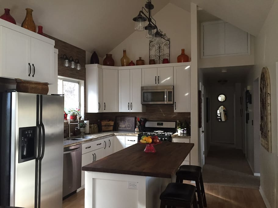 Great Kitchen area for Light Cooking Available.