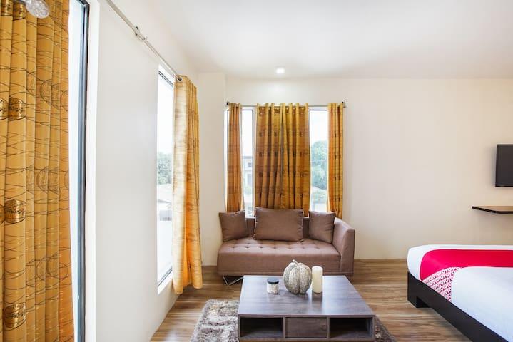 Premier Family Stay@Casa Mia Hotel Suites
