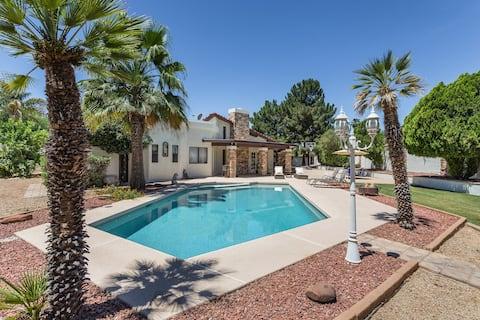 Gorgeous Scottsdale Getaway! Heated pool & spa!