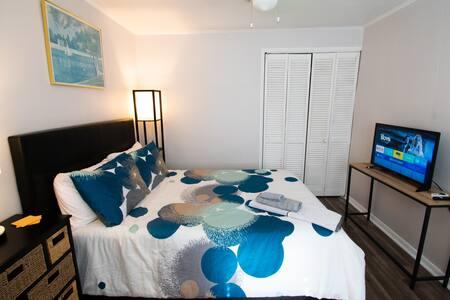 Private Bedroom near Philadelphia