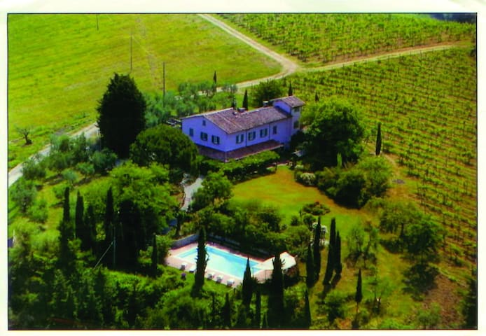 Casa Musatti in Umbria sleeps 8-12 - Foligno - Huis
