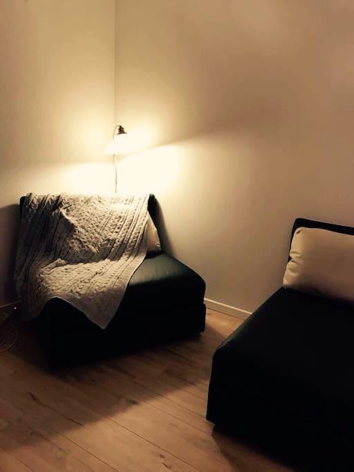 Les poufs qui se transforment en lits confortables en un clin d oeil si vous êtes plus de 4, ça peut être utile !