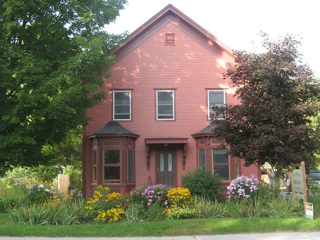 Beautiful Down Town Farm House