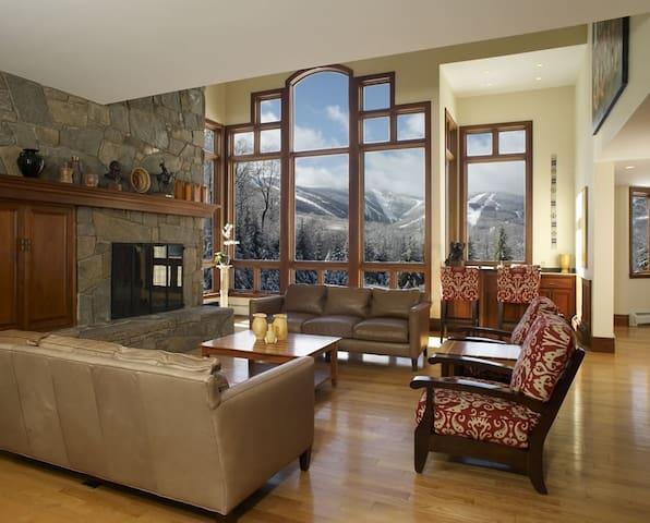 The Mountainside House - Luxury Home in Killington