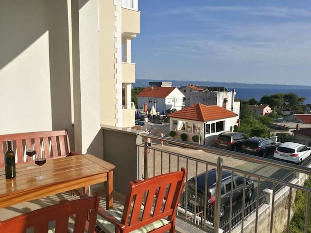 One bedroom apartment with terrace and sea view Podstrana (Split) (A-6072-a)