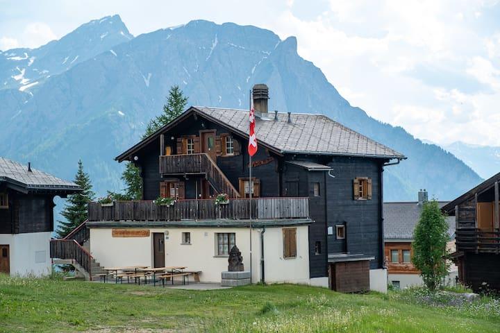 Gruppenhaus Walliser Alpstyle