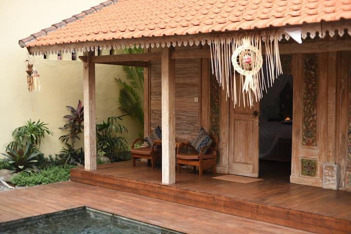 Cozy 4 bedrooms Joglo wooden villa in Canggu #4