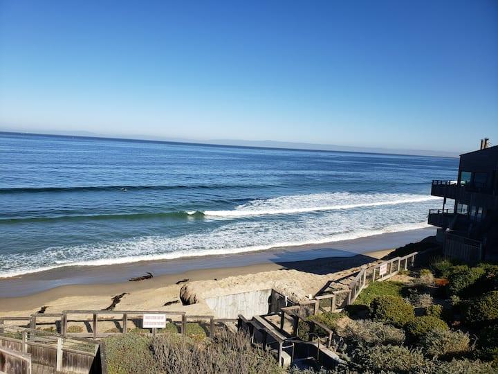 Monterey Large Ocean view Condo