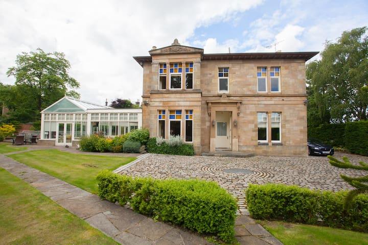 Stunning Victorian Villa with Extensive Garden
