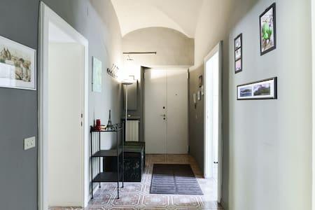 Roma Villa Borghese park: central,cozy,sunny room! - Apartment
