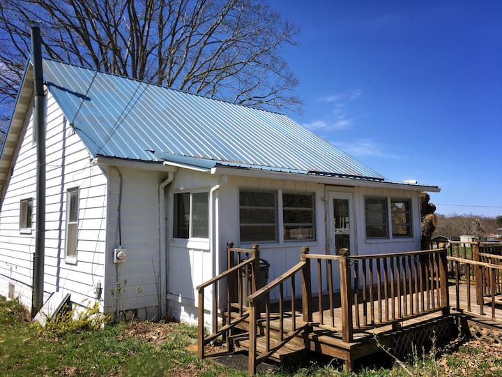 Life on the good side in Shady Spring