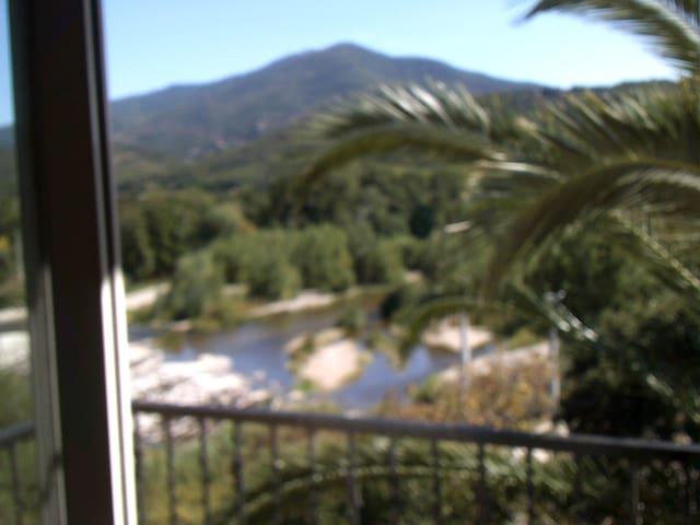 appartement  Vue splendide rivière et montagne