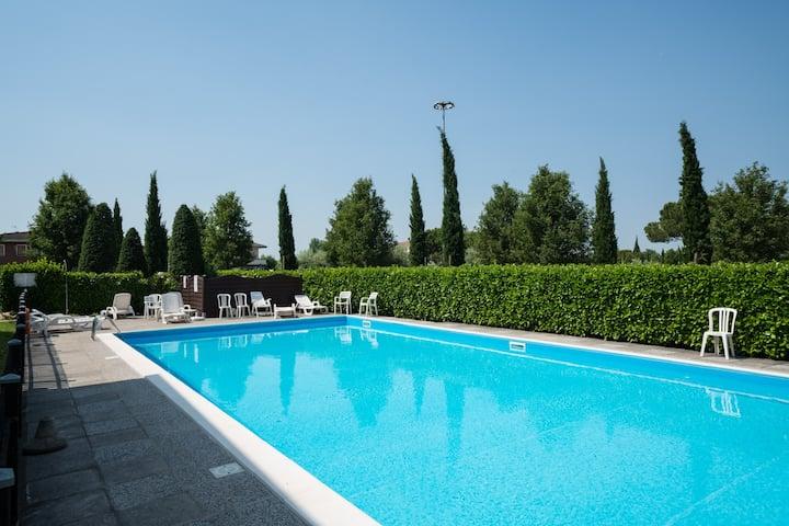 Bright Apartments Sirmione - Sorgente Pool 17