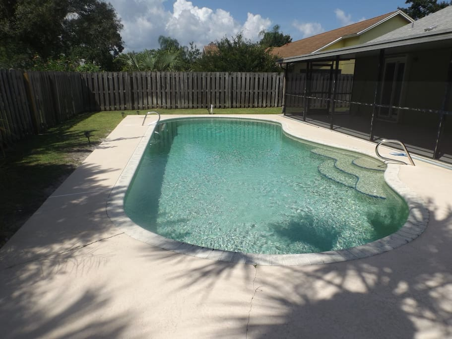 Large pool, for chilling down or for a nice dip!