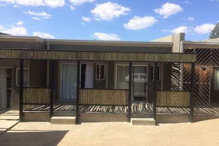 Private Apartment self catering 2 - Windhoek