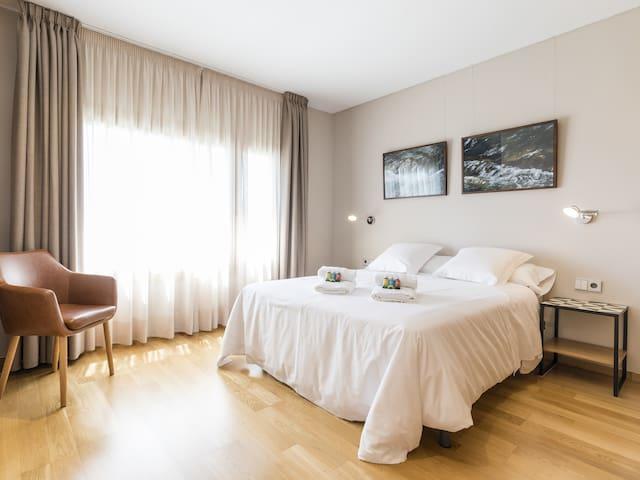 Suite-Baño en la habitacion-Vista al Jardín-171