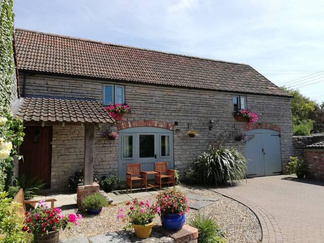 Annexe Cottage, Barton-st-David, Glastonbury