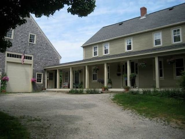 Classic New England Cape - 15 min to Portland - Falmouth - House